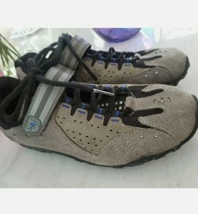 Specialized Tahoe cycling shoe size  9